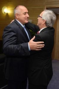 Борисов (вляво) и Юнкер в Брюксел през декември 2014 година.