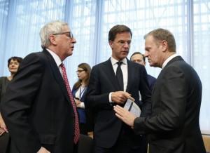 Юнкер, Рюте и Туск в работен момент преди началото на Европейския съвет днес, 16 март 2016 г. в Брюксел.